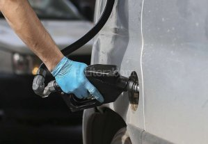 Aranguren no descart� que el precio del combustible vuelva a subir