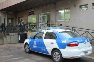 Choque entre patrullero y taxi dej� a una oficial internada