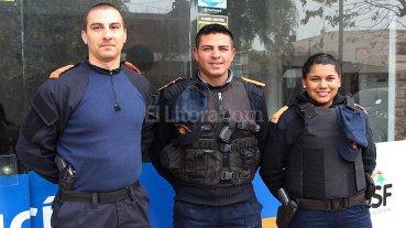 Ejemplar gesto de personal de la Polic�a Comunitaria