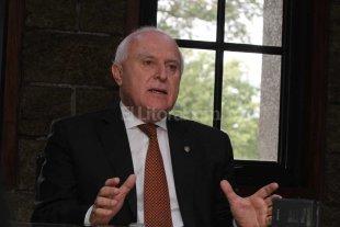 Lifschitz entrega fondos para comunas del departamento La Capital