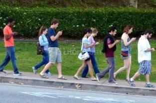 �Sab�as que los celulares cambiaron nuestra forma de caminar?