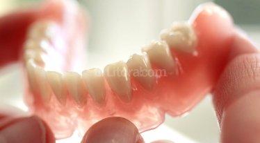 Estudiantes argentinos crean pr�tesis dentales con impresoras 3D