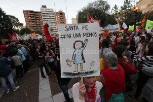 Mujeres de todo el pa�s se movilizan contra los femicidios