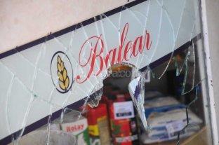 Destrozos y robos en 2 comercios de la Recoleta santafesina