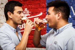 Cómo es el oficio de degustar cerveza en forma profesional