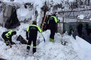 """No encuentran """"señales de vida"""" de las personas del hotel sepultado en Italia"""