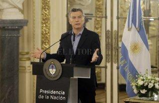 Macri recibe al titular de YPF