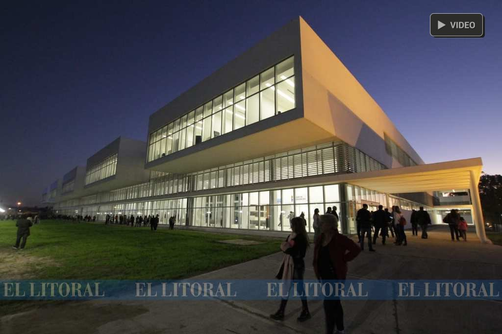 Resultado de imagen para Santa Fe: inauguraron el hospital más moderno del país con inversión de $ 2.200 M