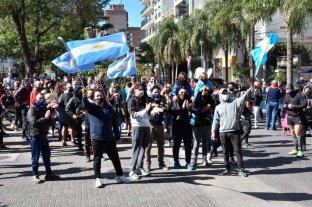 A la espera de definiciones: dueños de gimnasios se manifiestan en la ciudad No pueden abrir