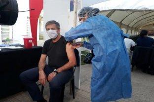 Coronavirus: el intendente Emilio Jatón recibió la vacuna Sputnik V En la Esquina Encendida