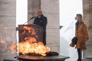 Se conmemoró el Día de la Bandera Perotti encabezó los actos en Rosario