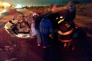 Tres personas heridas  en impresionante vuelco en el sur santafesino En San Lorenzo