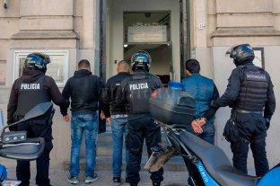 Delincuentes extranjeros atrapados en Santa Fe con miles de pesos y dólares Colombianos y venezolanos