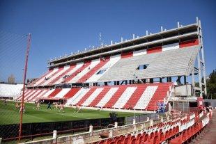 ¿Qué espera Unión para ponerle Pumpido y Luque a la nueva tribuna? Salvo un mural no hay reconocimiento para los campeones
