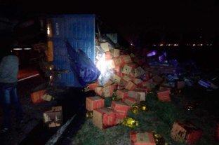 Volcó el acoplado de  un camión en Nelson Siniestro vial en la RN 11