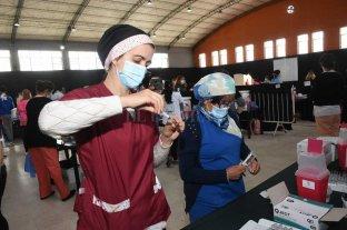 Este viernes se turnaron a 2.250 adolescentes para recibir Pfizer en la ciudad de Santa Fe Vacunación anti Covid