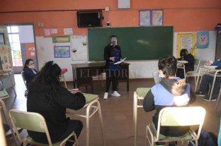 """Adriana Cantero: """"Santa Fe tiene el 96% de presencialidad plena"""" En las escuelas de la provincia"""