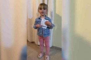 """""""Chau Coronavirus"""", el mensaje de Malena, la nena de 3 años que invita a todos a vacunarse El video de la pequeña santafesina que se viralizó"""