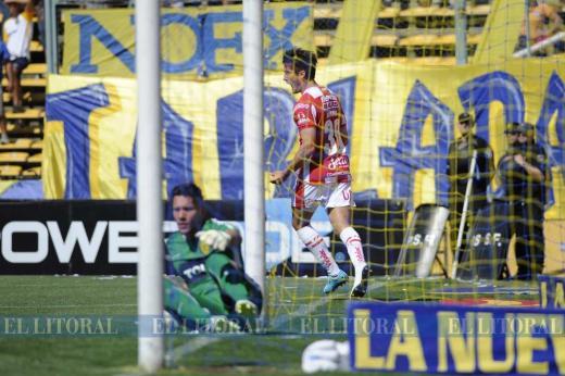 Unión goleó a Central en Rosario