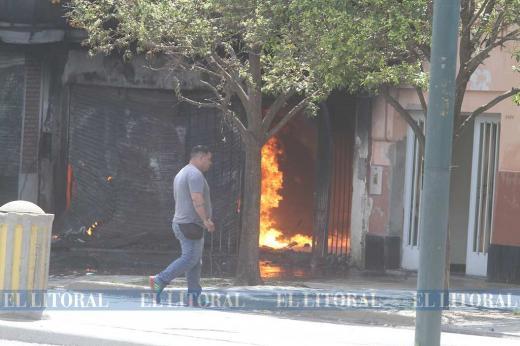 Incendio deposito en Facundo Zuviría