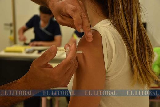 Vacunacion por fiebre amarilla en CEMAFE
