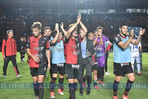Copa de la Superliga. Colón empató sin goles contra Tigre