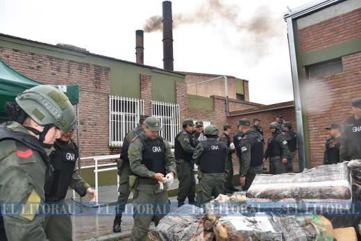 Gendarmeria: Quema nacional simultanea de estupefacientes