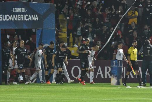 Copa Sudamericana, Octavos de Final. Colón 0 vs. Argentino Jrs. 1
