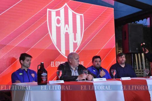 Básquetbol. Unión presentó el equipo para la Liga Nacional