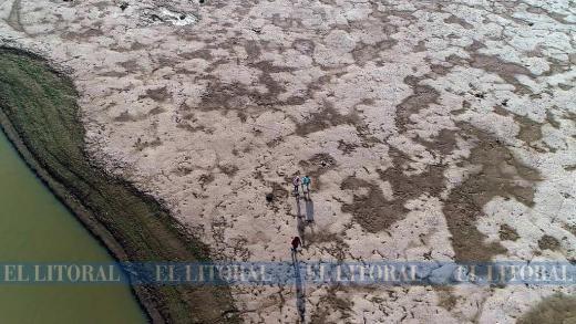 Los tonos de la laguna Setúbal desde el aire