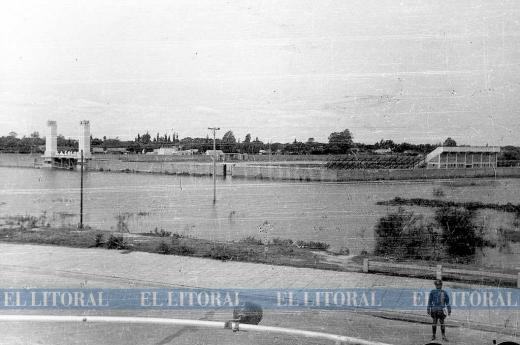 Imágenes históricas de la cancha de Colón