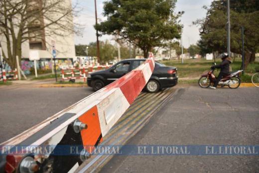 Ahora apareció la barrera baja en San Gerónimo y Larramendi