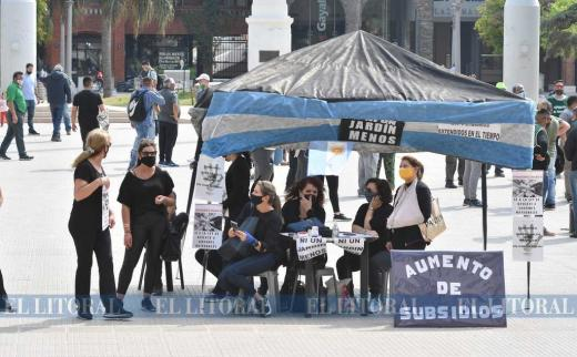 La plaza 25 de mayo se comparte para reclamar