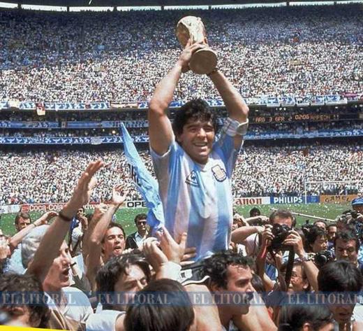Diez fotos memorables de Maradona