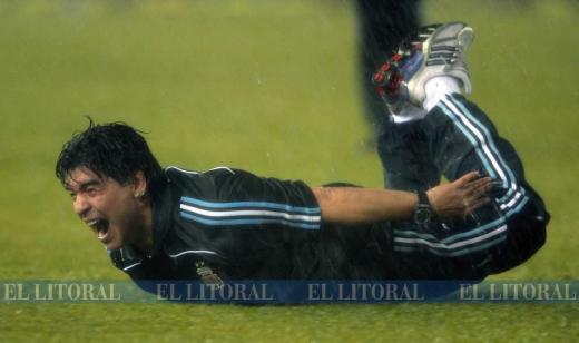 Las curiosas fotos en la historia de Maradona