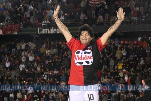 Diego Maradona y sus visitas a Santa Fe