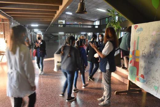 Burbujas y protocolo: Las fotos en la escuela Stephenson