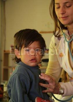 Hay equipo. Sobre la base de controles que realizan pediatras y nutricionistas se determina si un niño necesita ser incorporado a los programas de la Red Conin. Con las familias se trabaja entre un año y medio y dos. Crédito: Mauricio Garin.