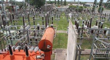 Se normaliza el suministro de energía en los barrios afectados