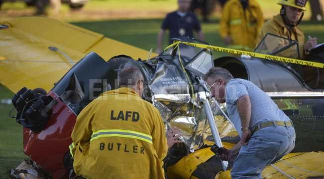 Así trabajaban los bomberos con la avioneta de Ford Crédito: Agencia EFE