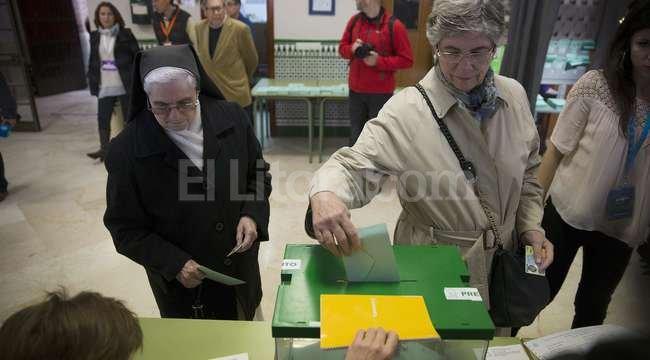 Arrancan en andaluc a las primeras elecciones del a o en for Interior elecciones