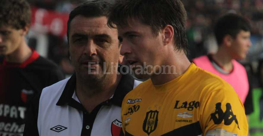 Osella, ante Olimpo el día que Colón ganó en el último segundo con gol de Alario Crédito: Archivo El Litoral