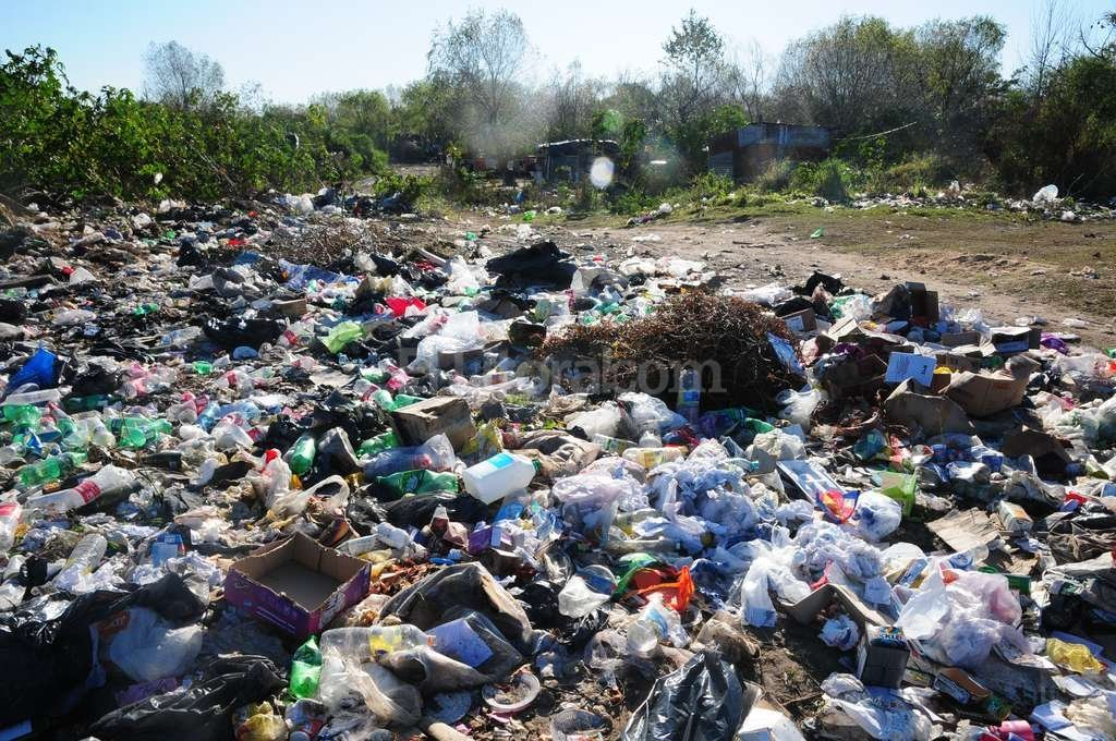 Los vecinos de Playa Norte son los que más utilizan el centro de salud. Es que viven en inmediaciones de este enorme basural y están más expuestos a enfermedades. Flavio Raina