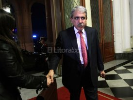 Aníbal dice que no quieren que llegue a la gobernación de Buenos Aires