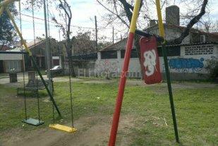 Plaza en estado de abandono en Villa Setúbal