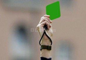 Si te portás bien también te sacan tarjeta - La UEFA busca implementar la tarjeta verde en todas sus ligas.