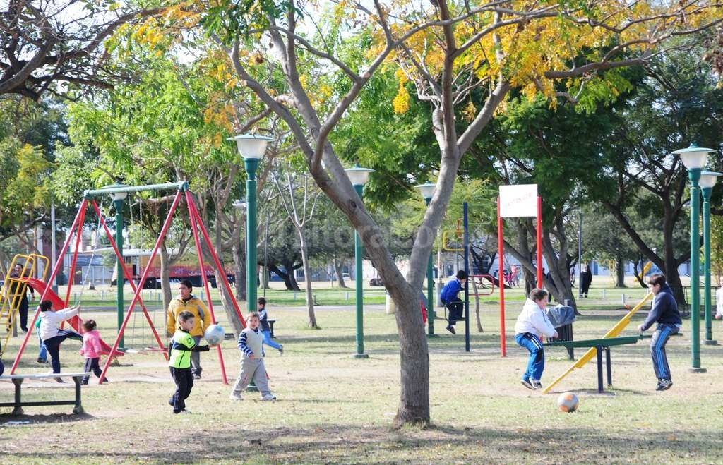 Esta es la zona de juegos Gastón Gori, del Parque Federal, donde fue atacada una niña de 5 años por un pitbull. <strong>Foto:</strong> Luis Cetraro