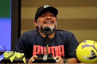 Maradona apoya la postura de hacer elecciones inmediatas