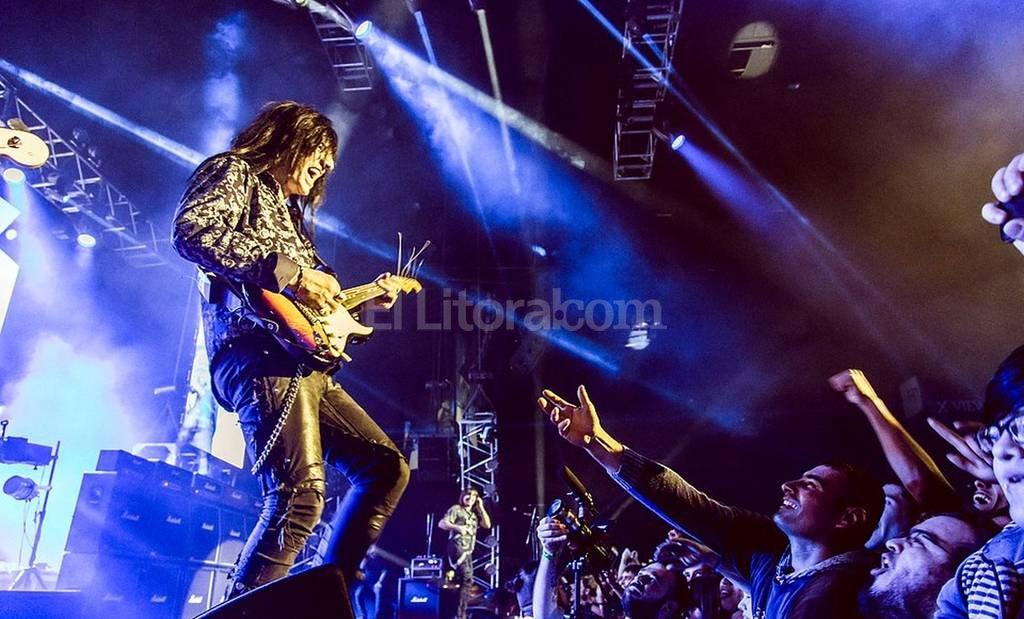 """Giardino con su público, durante la presentación de """"Tormenta eléctrica"""", el pasado 12 de septiembre: """"Es como un triángulo que se genera entre la música, yo y la gente"""", dice el virtuoso guitarrista. Gentileza Ignacio Cángelo"""