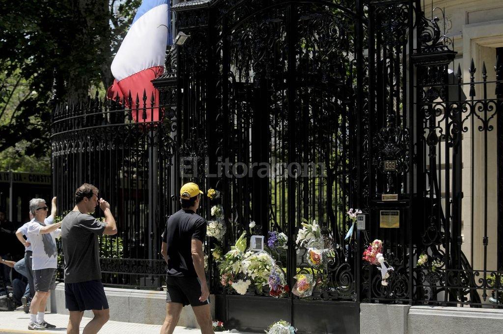 embajada francia argentina:
